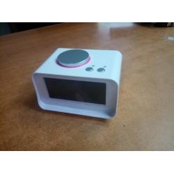 Радиобудильник Song Ruitai K1, белый, 12/24ч. формат, таймер, 2 режима будильника, FM, SNOOZE, термометр, 2*USB, AUX